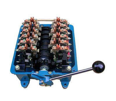 Командоконтроллер крановый ККТ-63А